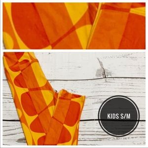 Kids S/M candy corn print leggings